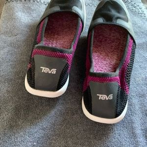 Teva Flats in a cool black and purple